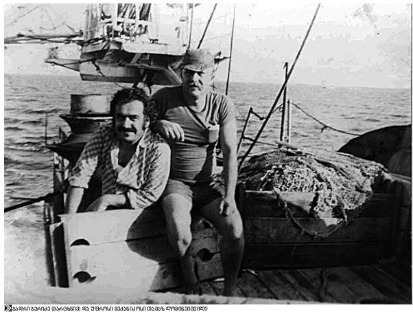 ბადრი ბერიძე (მარცხნივ)და უფროსი მექანიკოსი თამაზ ლომინეიშვილი