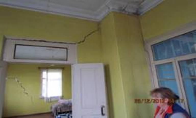ქობულეთის მუნიციპალიტეტის სოფელ კონდიდში მცხროვრები შაქარიშვილების სახლი, რომელიც მიწისძვრის შედეგად დაზიანდა
