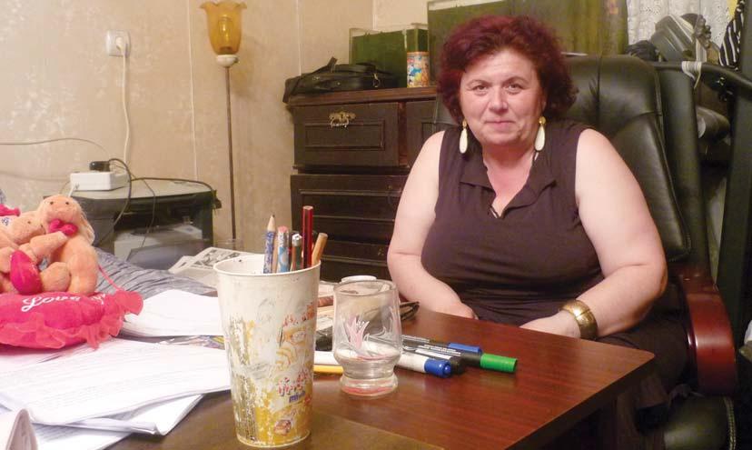 ნინო სურმანიძე, ქართული ენისა და ლიტერატურის მასწავლებელი