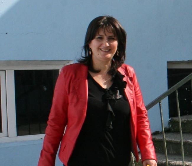 მარიზა აბაშიძე მე-2 საჯარო სკოლის დირექტორი