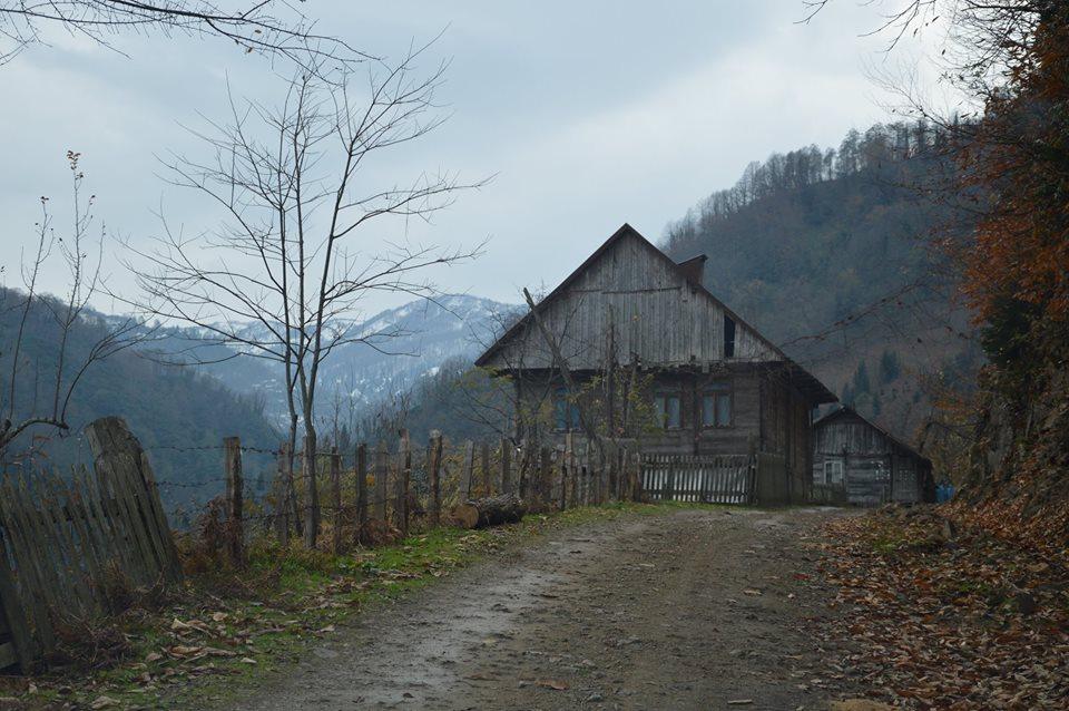 სოფელი გარეტყე. აქედან 8 კილომეტრში მდებარეობს ადგილი, სადაც ჩინური კომპანია ოქროზე საძიებო სამუშაოებს ატარებს