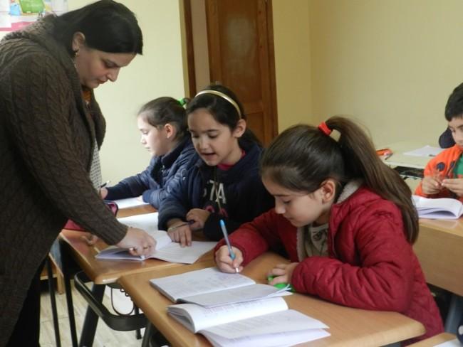 კომაროვის შაბათის სკოლის მოსწავლეები. ფოტო: ლელა დუმბაძე