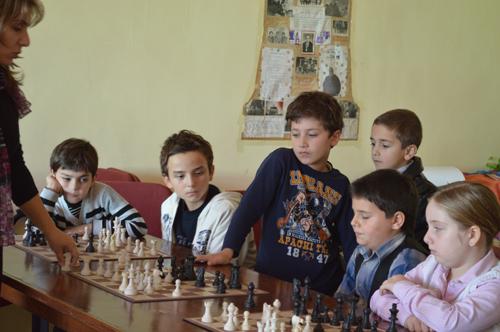 """საჭადრაკო კლუბი """"ნონას"""" წევრები. ფოტო: chessbatumi.ge"""