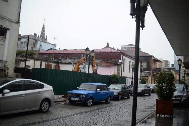დანგრეული სახლი მაზნიაშვილის ქუჩაზე. შოთა გუჯაბიძის ფოტო
