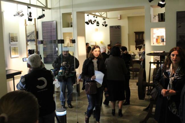"""""""ეთერში ვართ"""" - ქართული ჟურნალისტიკის დღისადმი მიძღვნილი გამოფენა ძმები ნობელების სახელობის ბათუმის ტექნოლოგიური მუზეუმში"""