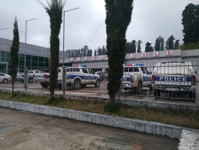"""პოლიციის ავტომანქანები """"მათემოტორსის"""" სერვისცენტრში / 18.03.2017 / ფოტო: თედო ჯორბენაძე"""