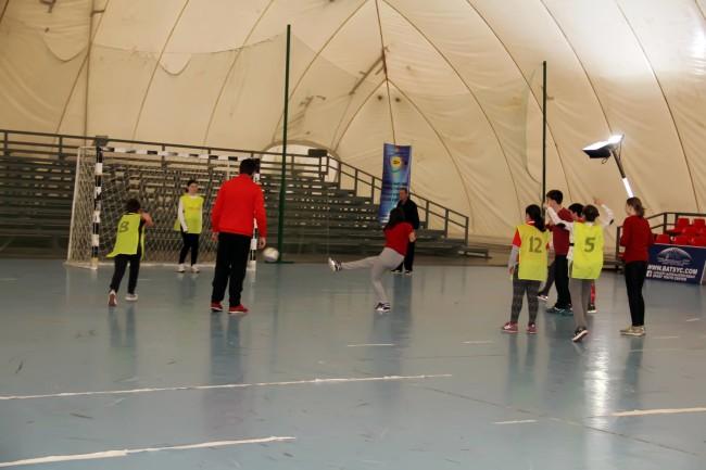 ტურნირის გამარჯვული სკოლა ევრო - 2000 -ის გოგონათა გუნდი გახდა