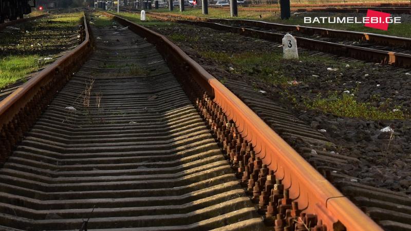 В Батуми поезд насмерть сбил женщину
