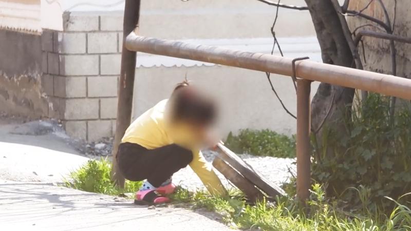 ნარკოტიკის რეალიზაციაში ჩართული პატარა გოგო – შსს ვიდეოს ავრცელებს [Video]