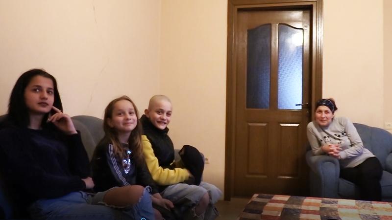 (VIDEO) და-ძმა ბათუმში, რომლებსაც სკოლაში არასდროს უვლიათ