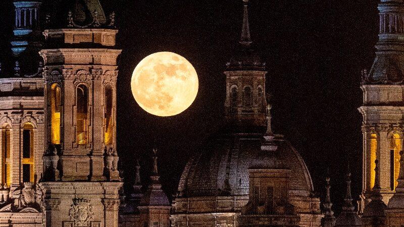 «Кровавая луна» в разных уголках мира — фоторепортаж
