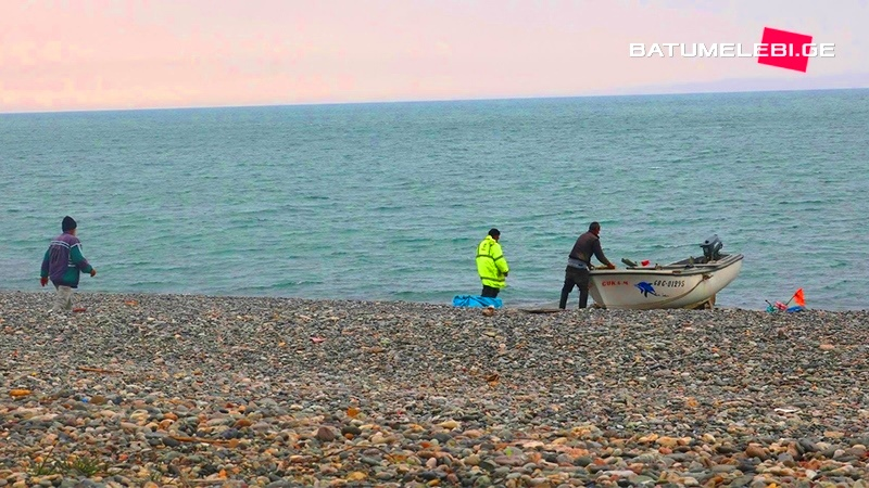 """გონიოელი მეთევზეები: """"ზღვის გარეშე გვტოვებენ, მუშაობაში ხელს გვიშლიან"""" [Video]"""