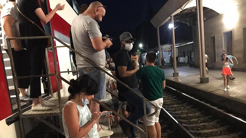 Поезд Тбилиси-Батуми совершил 6 экстренных остановок из-за поломки кондиционеров