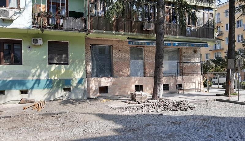 ჩამონგრეული კორპუსის მეზობლად მდებარე შენობას გამაგრება სჭირდება – ბათუმის მერია